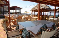 Golden-Bay-taverna-outside