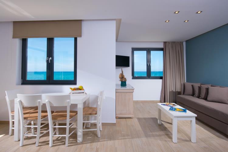 https://goldenbay.gr/wp-content/uploads/2013/10/Golden-Bay-Hotel-Heraklion-Crete-DSC_9149.jpg